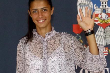 Olga Danilović presrećna, svi joj čestitaju na divnim vestima