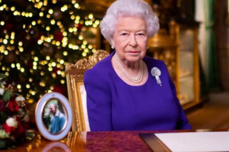 Iz Bakingemske palate stiže važna novogodišnja poruka: Kraljica je poželela samo jedno