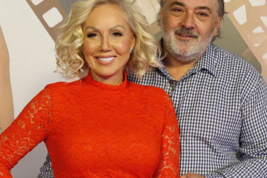 Milijarder sa tridesetpetoro dece: Ko je, zaista, Brenin i Bobin venčani kum o kom mediji danima pišu