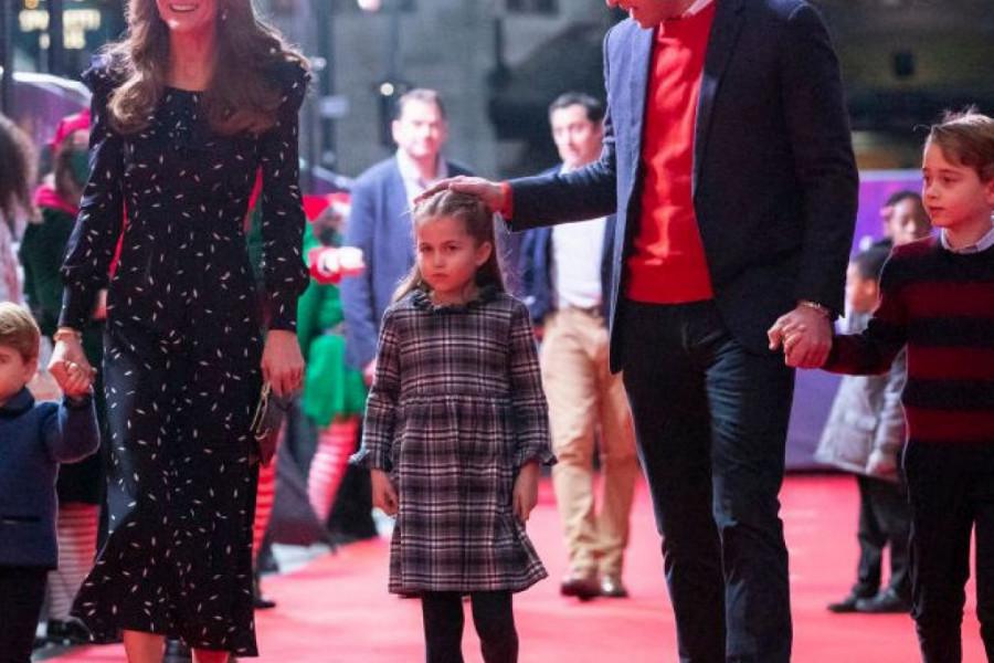 Zvezda tradicionalne božićne fotografije: Princeza Šarlot zbog ovog detalja ukrala svu pažnju