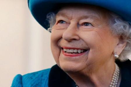 Kraljica Elizabeta ne odustaje od svoje ideje: Božić u kraljevskoj porodici sada će izgledati ovako (foto)