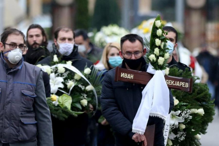 Sahranjen Ivan Bekjarev u Aleji zaslužnih građana: Svetlana Bojković održala potresan govor