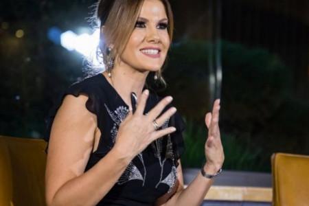 Voditeljka u petoj deceniji objavila fotografiju bez trunke šminke: Komplimenti se samo ređaju