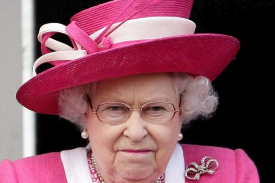 Prvi put u istoriji: Kraljica Elizabeta pobesnela, doživela neviđenu situaciju na dvoru
