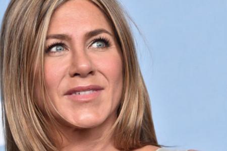 """Seksi izdanje Dženifer Aniston bacilo je u senku celokupnu ovogodišnju """"Emi"""" dodelu nagrada (foto/video)"""