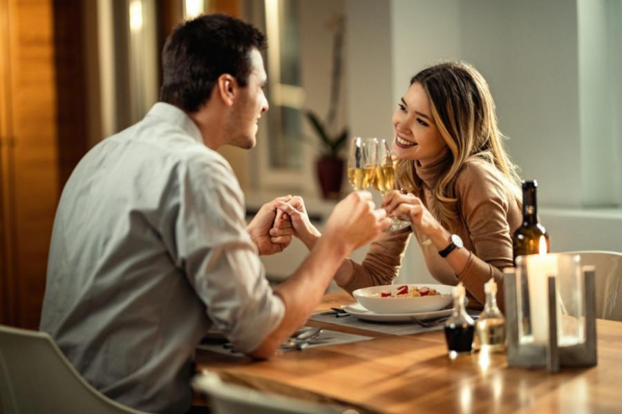 Ljubavni horoskop za 13. septembar: Strelčevi, nalazite se pred odlukom koju želite da saopštite partneru