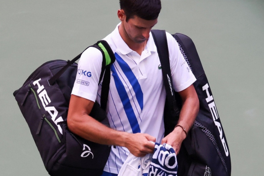 Svet je na nogama, neviđen skandal: Novak Đoković diskvalifikovan sa US Open-a! (video)