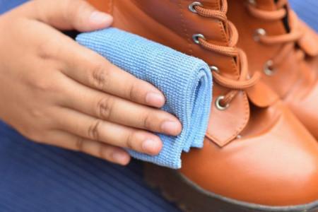 Ludost ili sjajno rešenje: Da li smete acetonom da ispolirate kožne cipele?