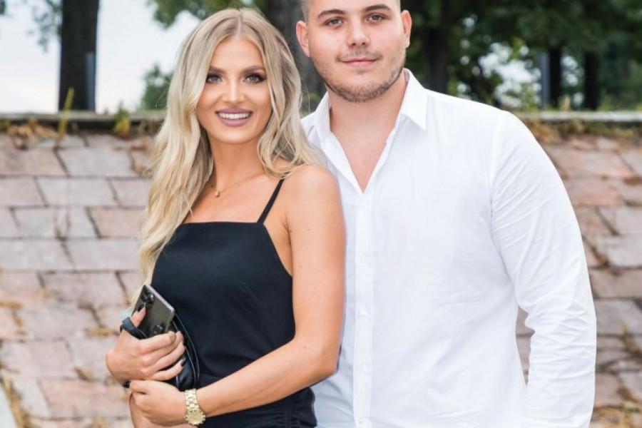 Viktor Živojinović i Sandra Miljaković: Prva godina ljubavi    Hello  Magazin!