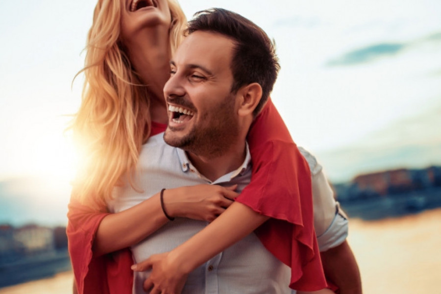 Ljubavni horoskop za 25. i 26. jul: Ovnovi, uživajte u flertu koji i ne mora nigde da vodi