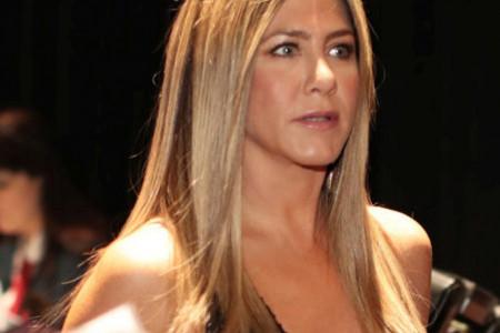 Strah i neverica: Dženifer Aniston poslala poruku iz bolnice (foto)