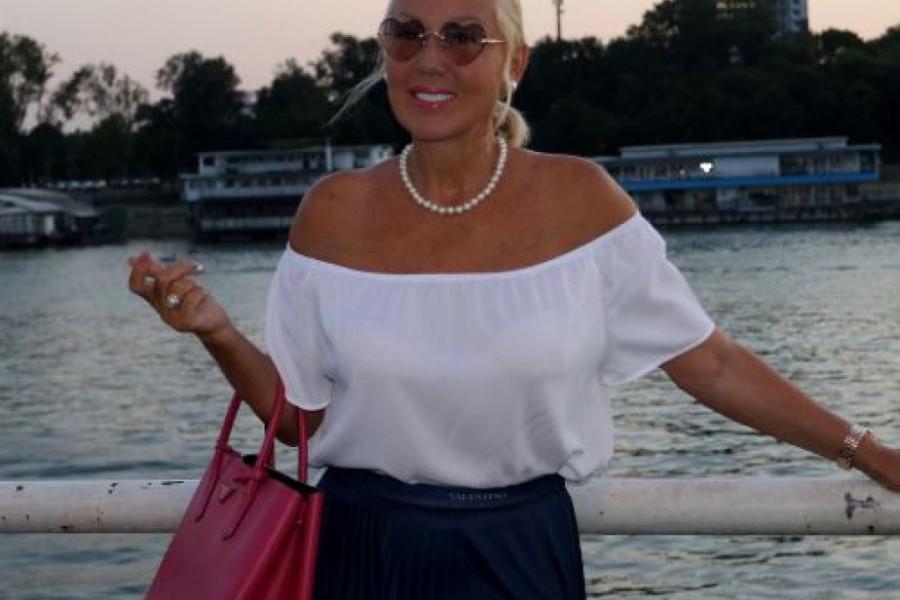 Lepa Brena uživa u Monaku - Pogledajte ko joj pravi društvo (foto)