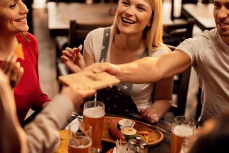 Horoskop za 24. jun: Ribe, posvetite pažnju svom društvenom životu, fali vam malo zabave!