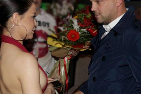 Mihajlo Šaulić je sinoć slavio: Ona mu je zapevala rođendansku pesmu