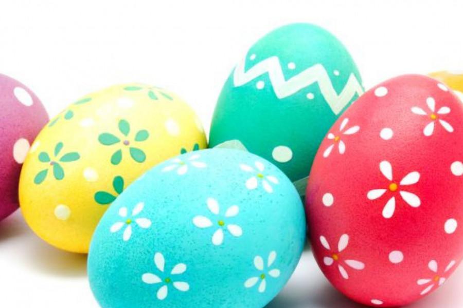 Ofarbajte jaja pomoću pene za brijanje