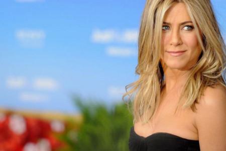 Dženifer Aniston besna na bivšeg