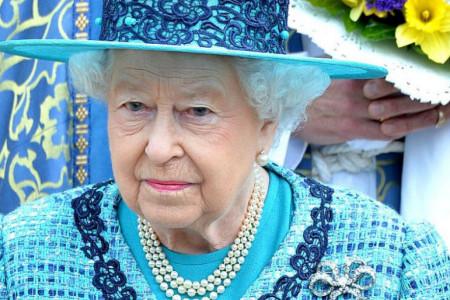 Uskršnja poruka kraljice Elizabete: Razdvojeni smo, ali tako štitimo jedni druge