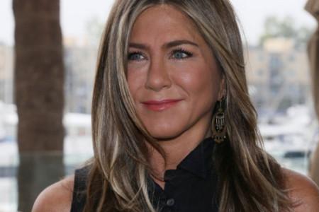 Dženifer Aniston iznenadila medicinsku sestru zaraženu koronavirusom