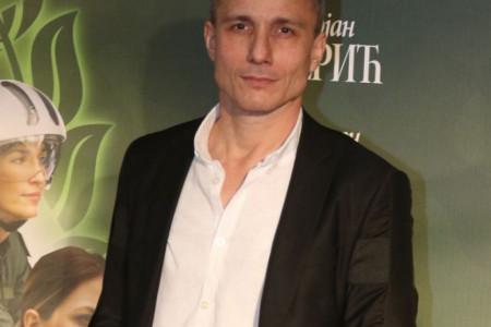 """Autorski tim serije """"Južni vetar"""" osuđuje pretnje Milošu Timotijeviću"""