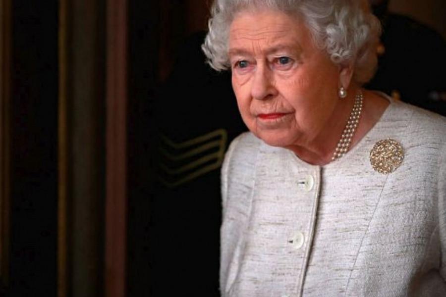 Kraljica Elizabeta II ponovo očajna: Moj unuk se razvodi!