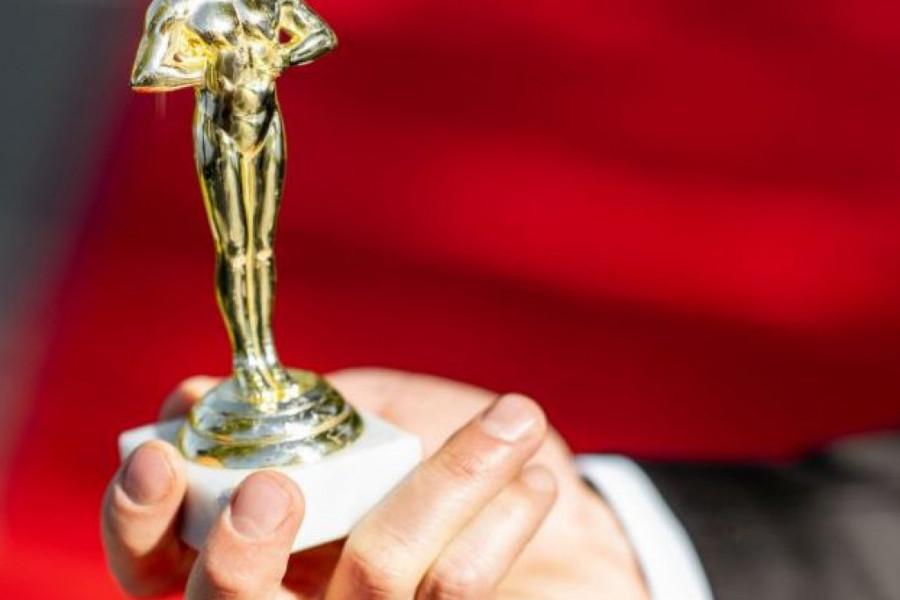 Holivud na nogama: Ko osvaja Oskara?