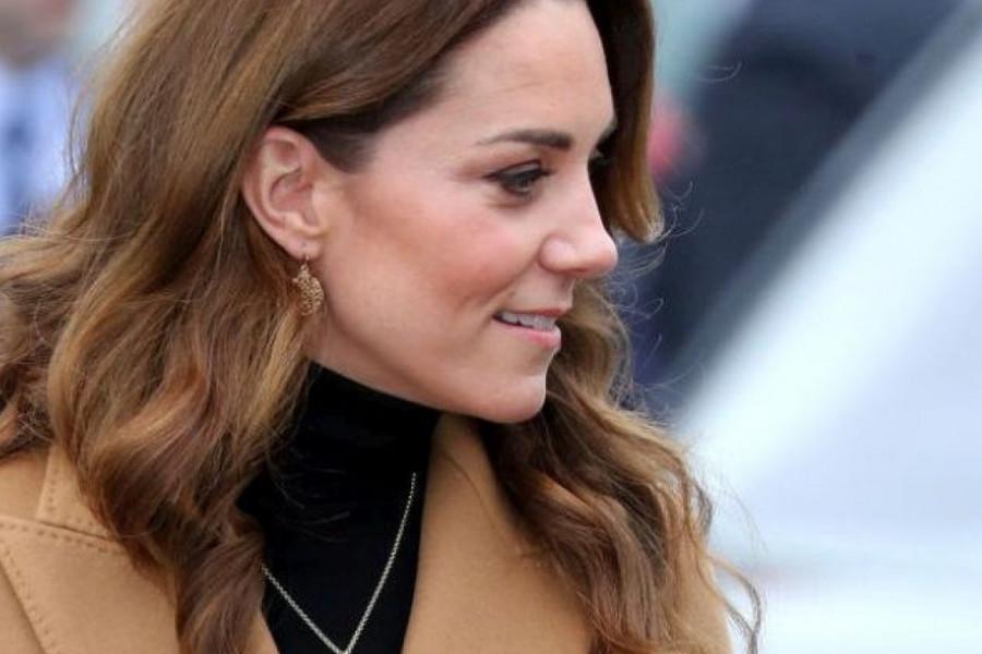 I dok je Megan oduzet sav kraljevski nakit, Kejt Midlton šeta novu skupocenu ogrlicu (foto)