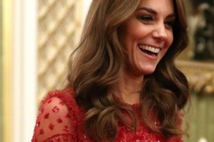 Svi se pitaju da li haljina vojvotkinje Kejt krije posebnu poruku