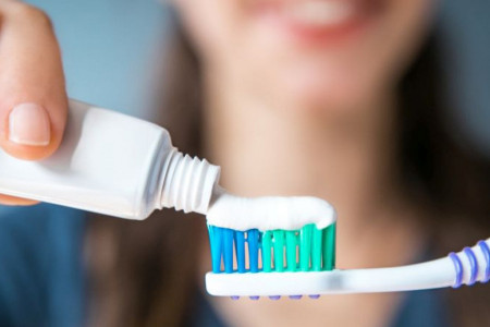 Znaci da je telo puno toksina: Otrove najčešće unosimo preko paste za zube i hrane