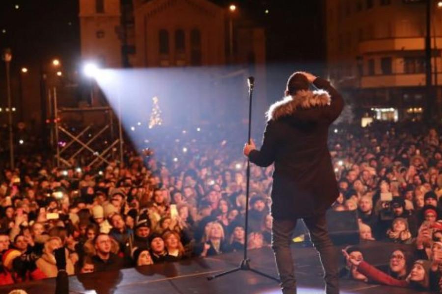 Željko Joksimović u Sarajevu pevao pred 60.000 ljudi na dočeku 2020.
