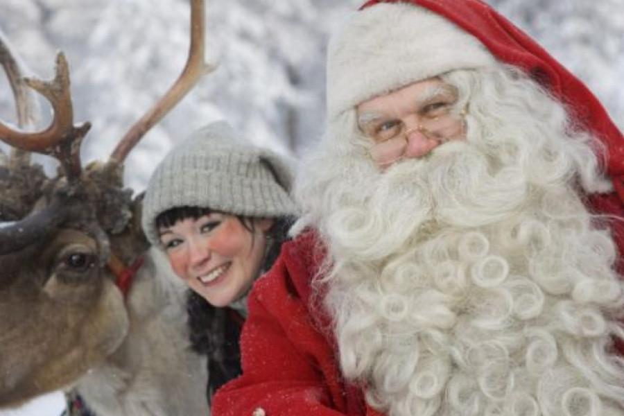 Najlepše čestitke slavnih: Srećan Božić uz Deda Mraza, jelku i najmilije