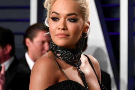 Nećete verovati koliko liči  na slavnog oca: Rita Ora u vezi sa sinom legendarnog glumca (foto)