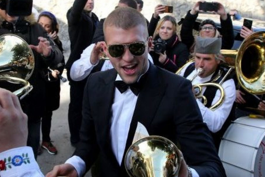 Svadba decenije: Danas Ceca ženi sina! Muzika i pesma u domu Ražnatovića od ranog jutra