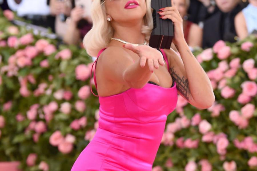 Lejdi Gaga bi uživala u Srbiji, ovako se vatrena Italijanka veseli na venčanju! (video)