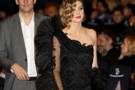 Nina Janković u božanstvenoj haljini na crvenom tepihu