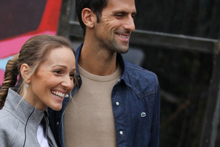 Porodica je sve: Jelena, Novak, Stefan i Tara Đoković u jesenjoj avanturi po Londonu (video)