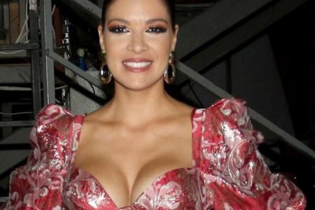 Večeras će očarati publiku: I vas će, kao što je i nas, haljina Sanje Kužet ostaviti bez daha (foto)
