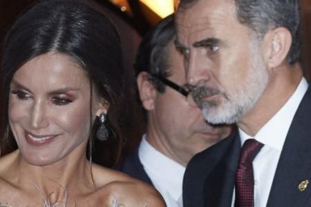 Leticija, kraljica Španije i glamura: Top od perja kakav se ne viđa na damama sa dvorova (foto)