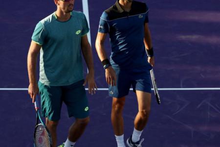 Potpuno su se rastopili: Novak Đoković i Viktor Troicki ovakvu podršku na terenu nisu očekivali (video)