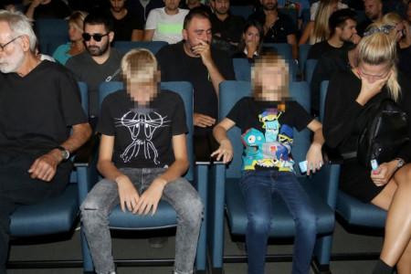 Danica sa sinovima neutešna, prijatelji i kolege se u suzama opraštaju od Grua (foto/video)