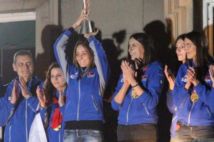 Zlatne devojke: Srbija po treći put šampion Evrope u odbojci!