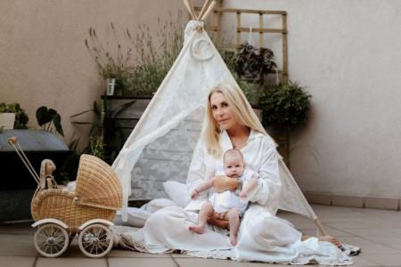 Ekskluzivne fotografije: Verica Rakočević predstavlja dvomesečnu unuku Milu