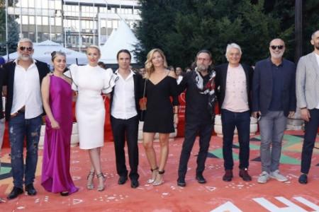 Međunarodna ekipa na crvenom tepihu: Serija BESA oduševila publiku Sarajevo Film Festivala (foto)