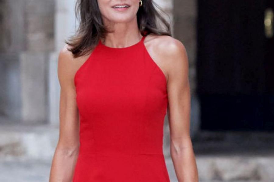 Kombinujte kao kraljica Leticija: I pristupačni brendovi mogu da izgledaju šik! (foto)