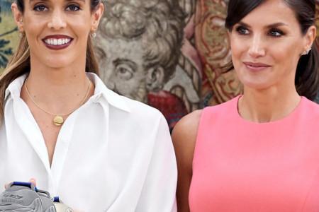 Rojal Barbi: Kraljica Leticija u ružičastom izdanju izgleda nestvarno