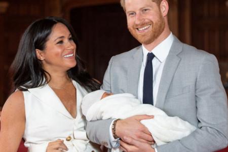 Prva zvanična fotografija malenog princa će vas očarati!