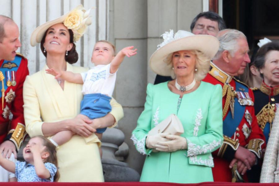 Debi princa Luisa na rođendanu kraljice Elizabete (foto/video)