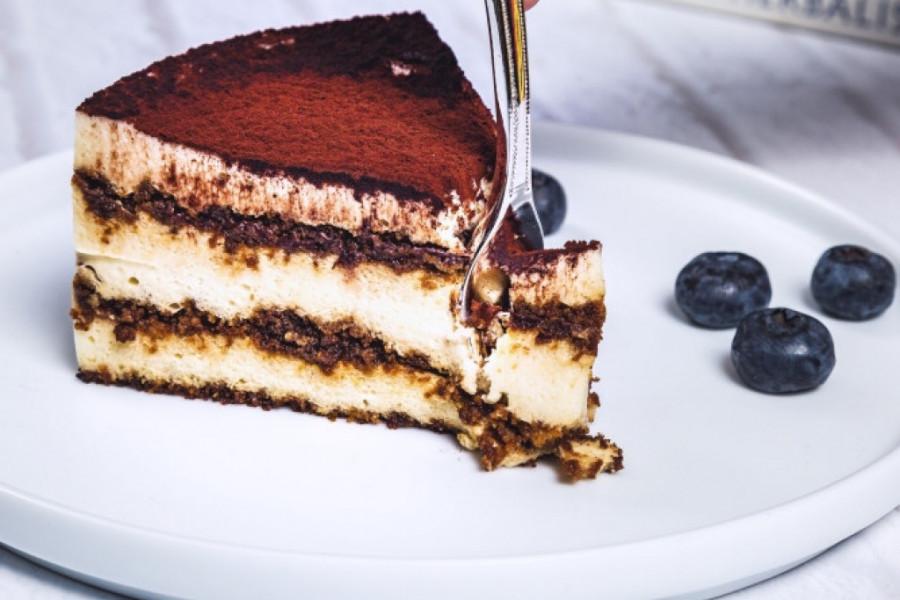 Ova turbojednostavna torta je hit na internetu