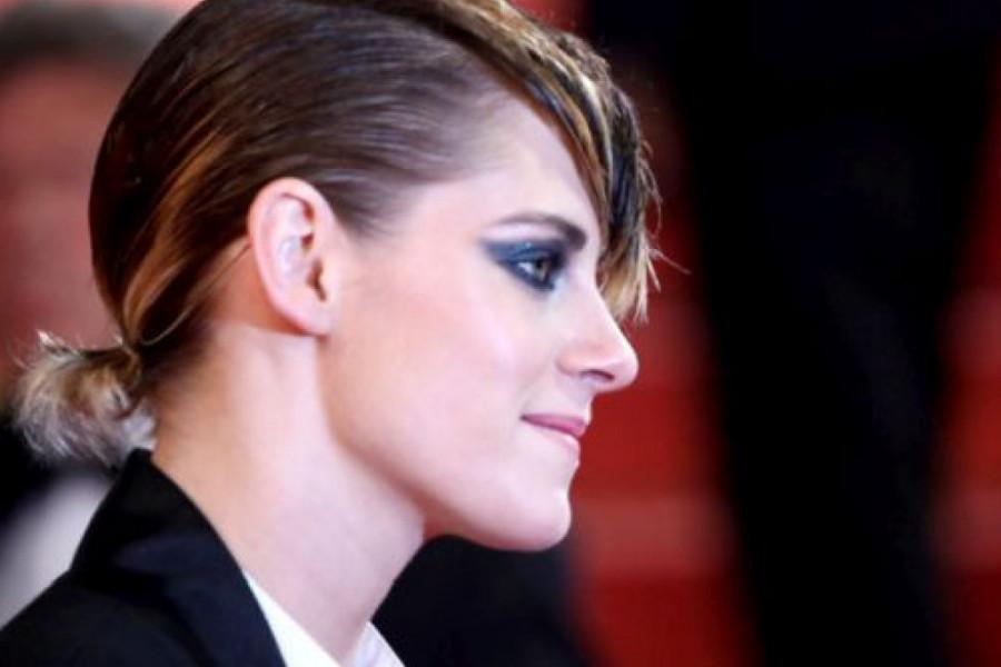 Potpuna suprotnost aktulenim trendovima: Kristen Stjuart iznenadila bojom obrva (foto)