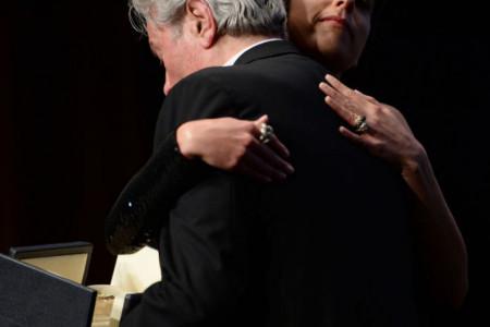 Alen Delon primio nagradu za životno delo, priznanje mu uručila kći