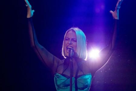 Sestra Tijane Dapčević pevala sa suzama u očima: Emocije Tamare Todevske na sceni (video)